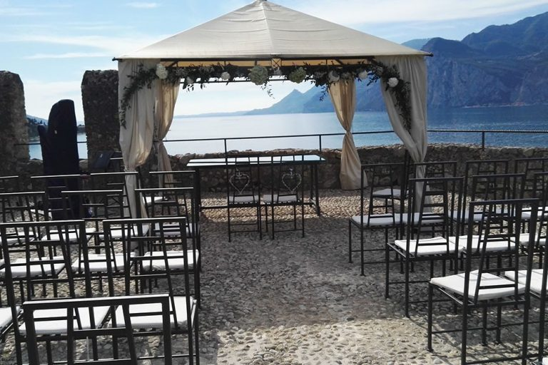 Wedding ceremony under a gazebo at Malcesine Castle