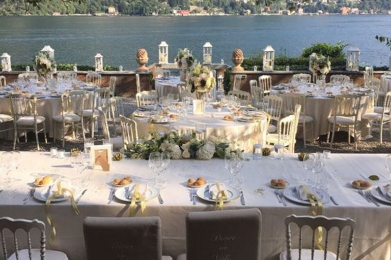 Wedding dinning outside at Villa Teodolinda, Lake Como
